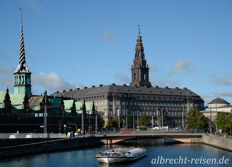 Kopenhagen, Børsen und Christiansborg Schlosskirche