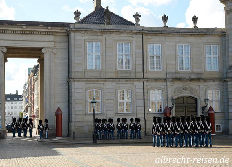 Wachablösung, Schloss Amalienborg