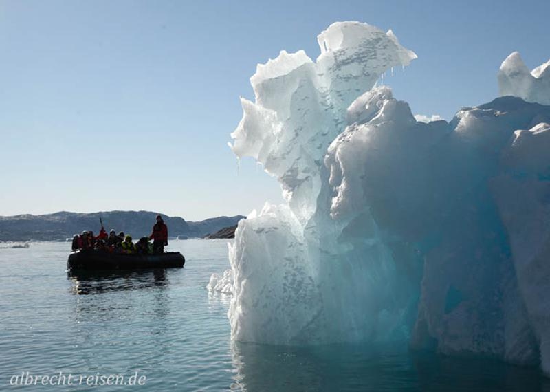 Zodiac-Cruise durch das Eis