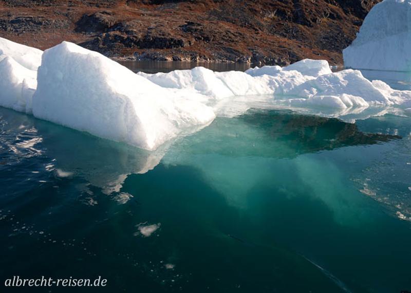 Im Eis bei Narsatsiaq im Bredefjord