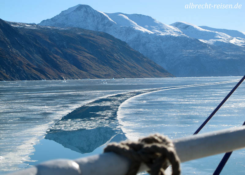 Durch 10 cm Eis nach Narsarsuaq