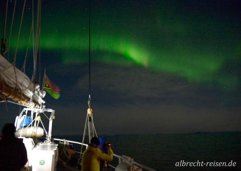 Nordlicht in der Abenddämmerung