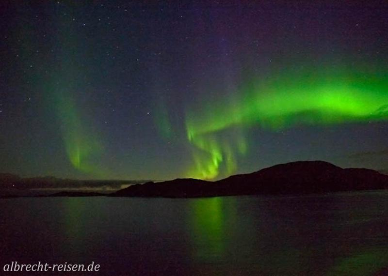 Nordlicht über dem Meer